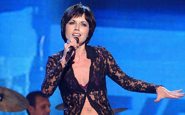"""Dolores O\'Riordan, the lead singer of \""""The Cranberries,\"""" performs during the Spanish TVE Special Gala show on September 16, 2002, in Madrid, Spain."""