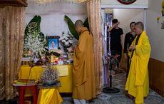 Thumb ha tinh  vietnam buddhist monks at makeshift shrine in home of pham thi tra my getty