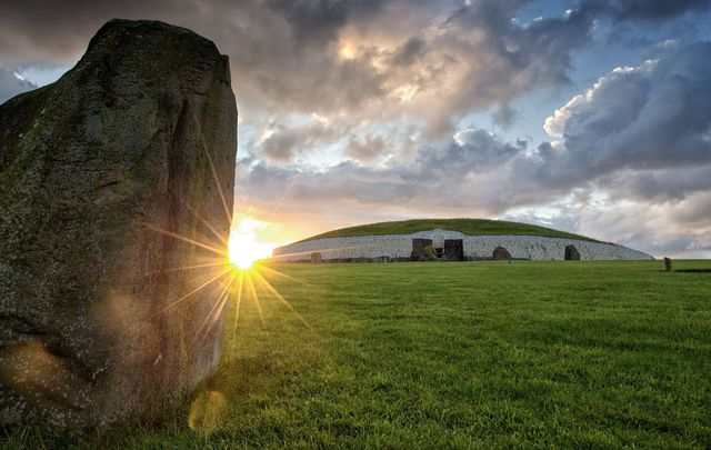 Newgrange, County Meath: Older than the Pyramids of Giza, 5,200-year-old ancient Irish tombs.