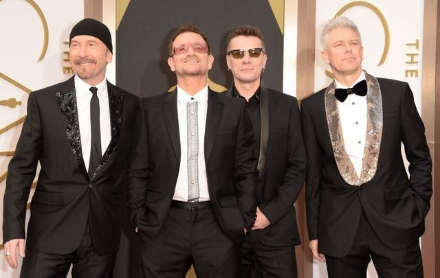 U2 photographed at the 2019 Oscars.