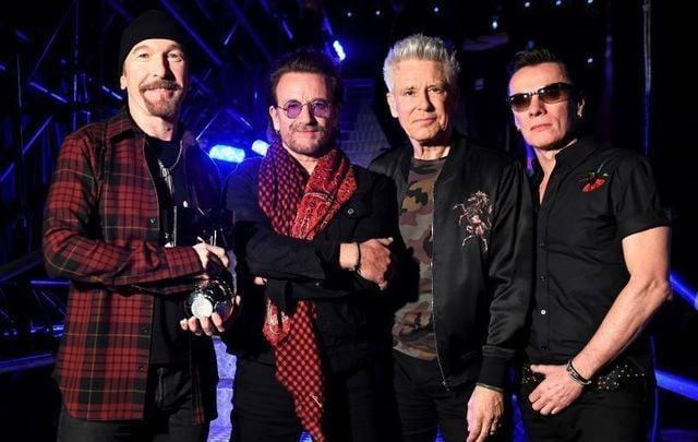 U2 at the 2017 MTV EMA awards.