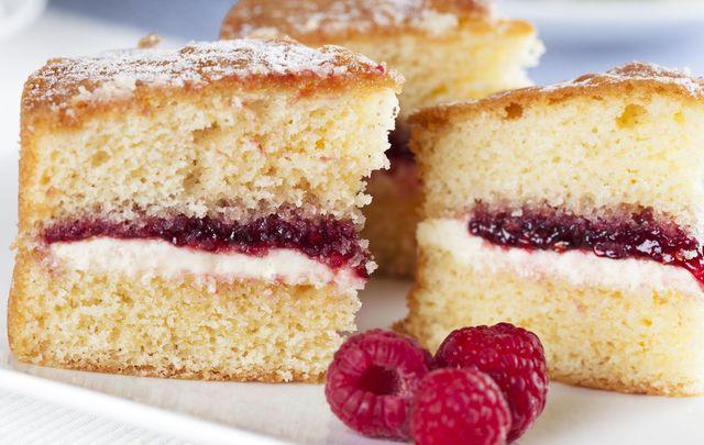 Teatime in Ireland: Victoria sponge.