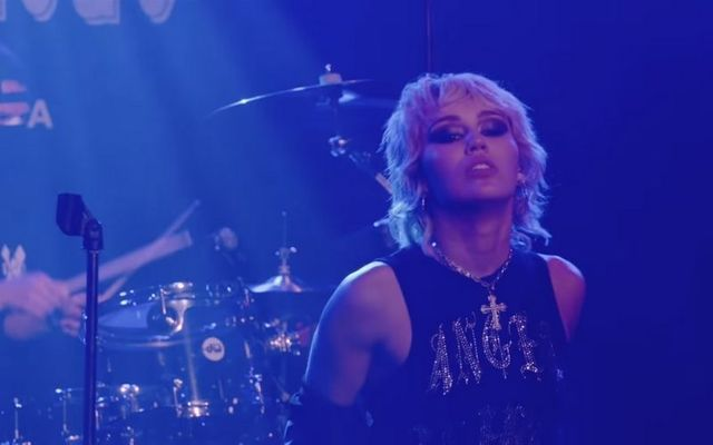 Cyrus performed the iconic song at Whiskey a Go Go, a renowned music venue in Los Angeles.