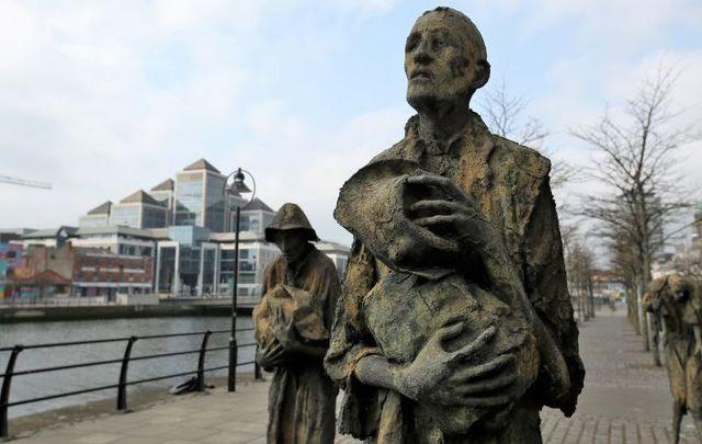 Statues in Dublin memorializing Ireland\'s Great Hunger.