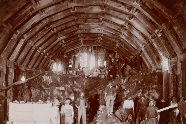 """Sandhogs\"", tunnel builders in New York City subway, in 1903."