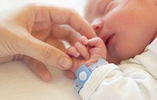 Thumb mi mother baby son newborn istock