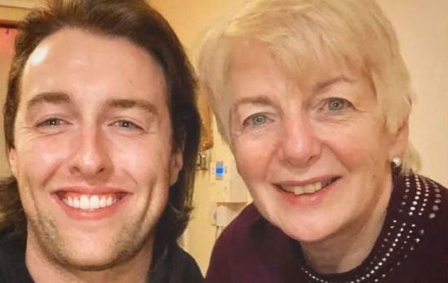 Co Donegal native Denis Grindel honored his late mother with a touching tribute in song.