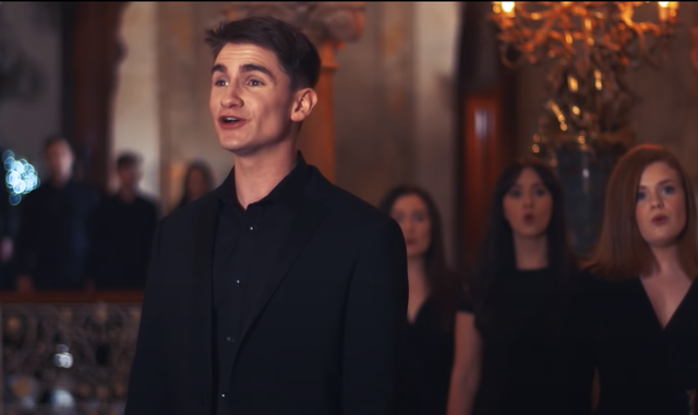 The choir has recorded several traditional Irish songs.