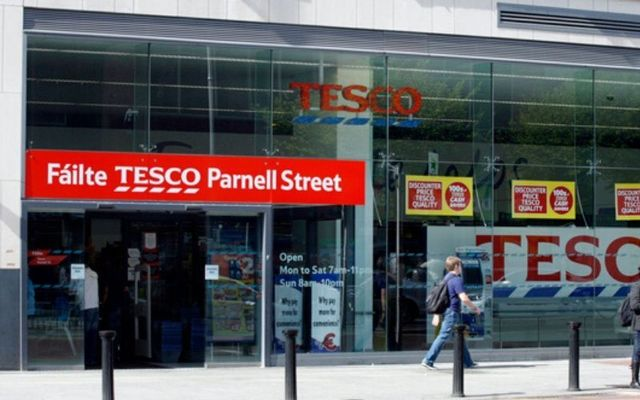 Tesco is paying staff bonuses for their hard work during the COVID-19 crisis.