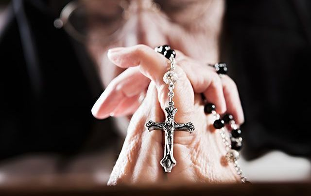 Priest calls for prayer: Patients are dying alone in isolation.