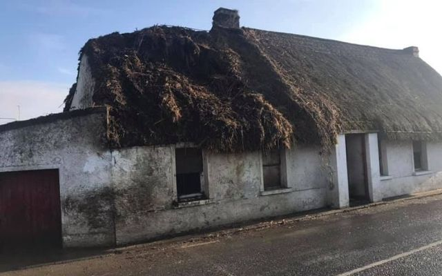 The fire burned through the cottage\'s roof