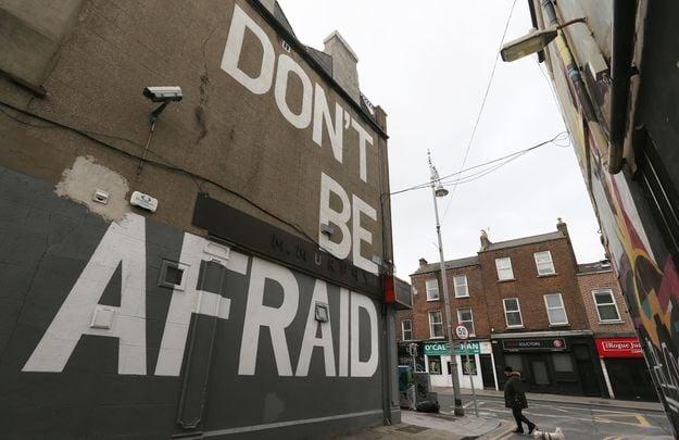 Don\'t be afraid: Mural off Camden Street, Dublin.