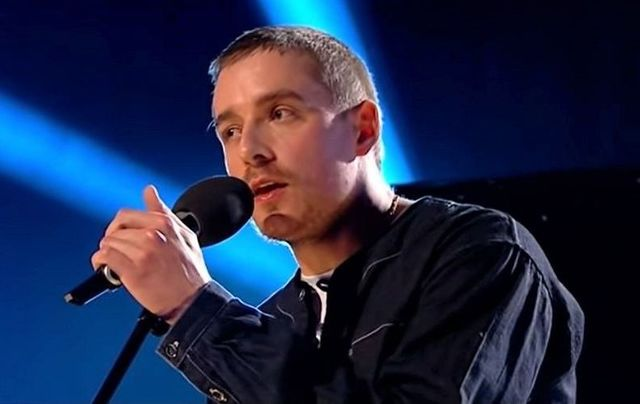 """Dermot Kennedy performed a cover of Van Morrison\'s \""""Days Like This\"""" on RTE\'s The Late Late Show."""