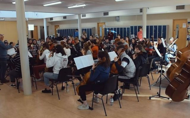 The youth orchestra recorded the touching rendition in January.