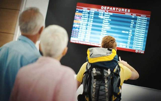 The European Commission today reaffirmed its passenger rights include the guarantee of a cash refund if a flight is canceled.