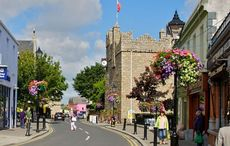 Thumb mi castle street dalkey   wikimedia