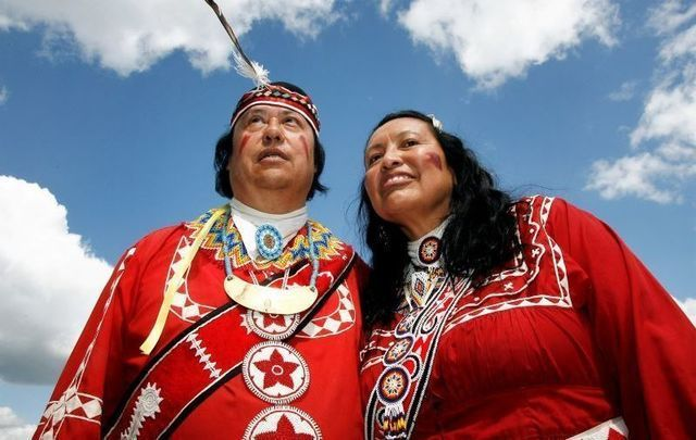 Gary and Dr. Janie Whitedeer of the Choctaw Nation visit Ireland in 2007. The Choctaw Nation provided relief to Ireland during the Great Hunger.