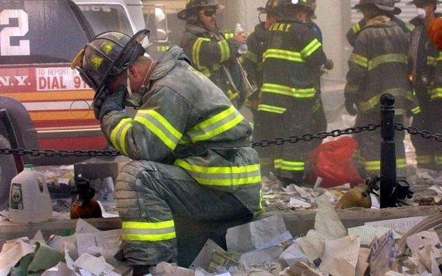 A member of the FDNY breaks down during the 9/11 attack on the World Trade Center.