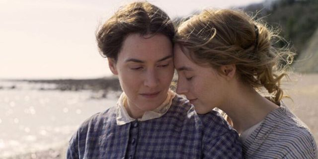 Kate Winslet and Saoirse Ronan in Ammonite.