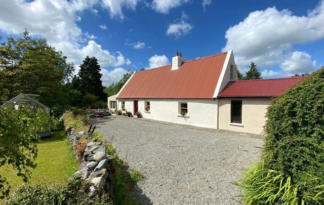 This modernized Irish farmhouse was first built in the 1860s.