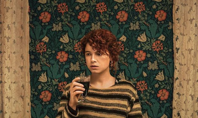 "Jessie Buckley in ""I\'m Thinking of Ending Things\""."