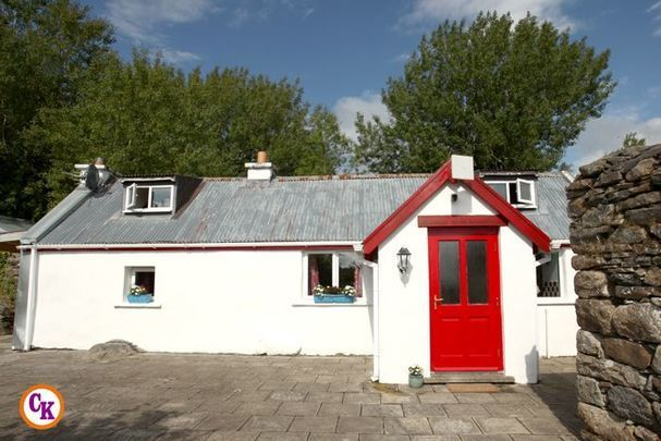 The cottage is located in Foxford, County Mayo.