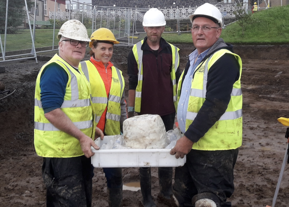 Fadó Archaeologists unearthed a Bronze Age urn, while digging on the site of a new Donegal hospital.