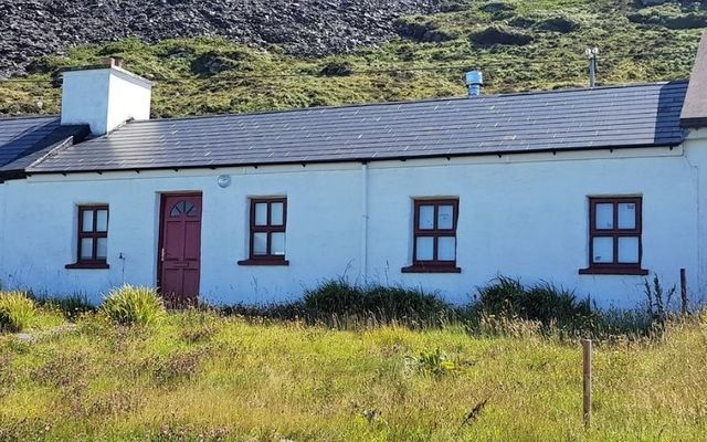 Dohilla Cottage is located on Valentia Island.
