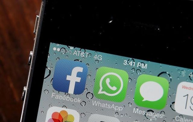 Cahir O\'Doherty considers the downside to social media and smartphones.