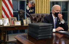 """""""Good riddance"""" to Winston Churchill bust in the Oval Office"""