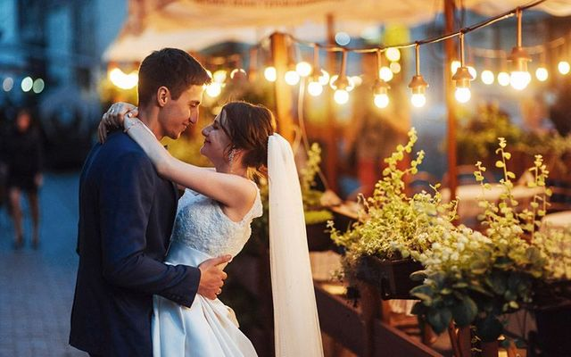 Ireland\'s wedding industry seeks clarity on COVID restrictions.