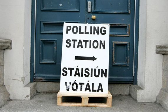 The Irish Government has made a commitment to hold a referendum on whether Irish emigrants should be allowed to vote in presidential elections.