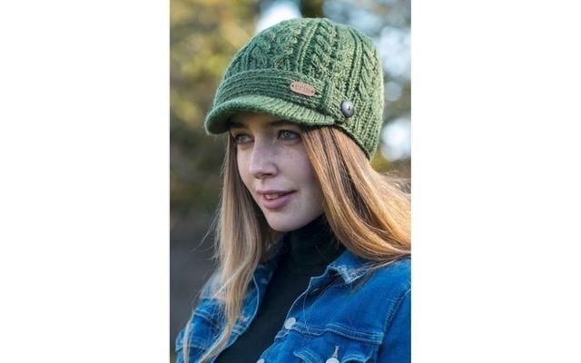 Aran Cable Peak Green Hat