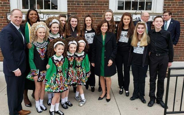 Kathy Hochul (center) celebrates St. Patrick\'s Day in 2019.