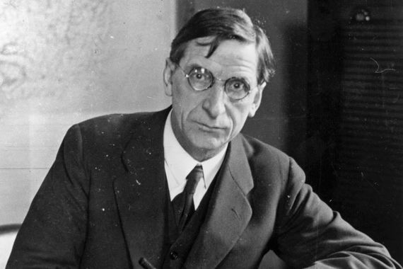 The longest entry in the dictionary belongs to former Taoiseach and President of Ireland Éamon de Valera, standing at 15,000 words.