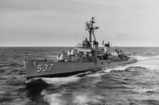 October 29, 1962: The U.S. Navy destroyer USS The Sullivans (DD-537) passing astern of the destroyer tender USS Grand Canyon (AD-28) off Newport, Rhode Island (USA). The Sullivans was assigned to the blockading forces during the Cuban Missile Crisis.