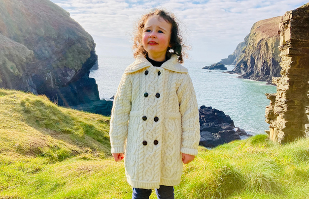 Emma Sophia, aged 4, went viral with her rendition of Danny Boy and now she\'s donating proceeds to the Laura Lynn charity.