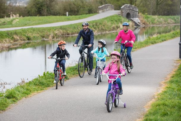 Enjoy the Royal Canal Greenway with family and friends