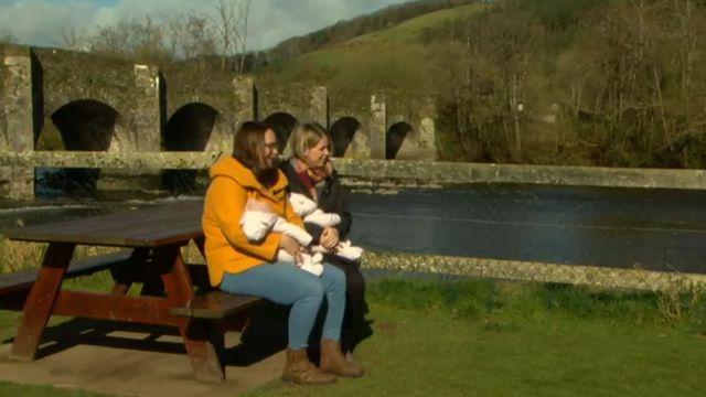 Geraldine Rea and Niamh O\'Sullivan with their twin daughters Réidín and Aoibhín.