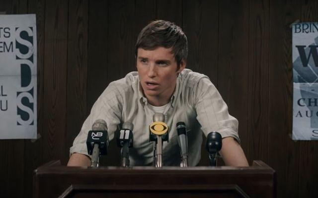 "Eddie Redmayne in \""The Trial of the Chicago 7\"""