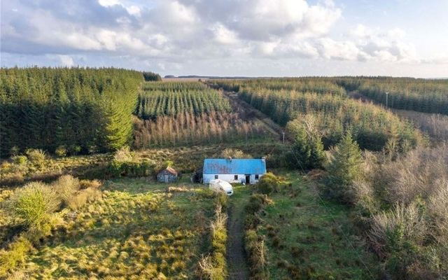 This 18th-century cottage is a relic of pre-Famine Ireland.