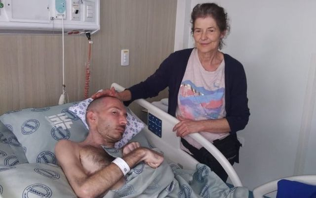 Eoghan de Cleir and his mother Ira in a Colombian hospital.
