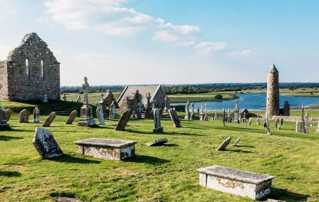 Clonmacnoise Graveyard and Round Tower, Co Offaly