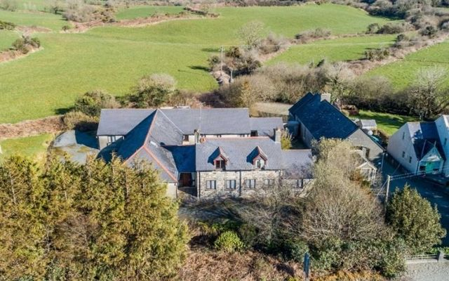 Victorian schoolhouse in Cork could be truly fit for a Queen