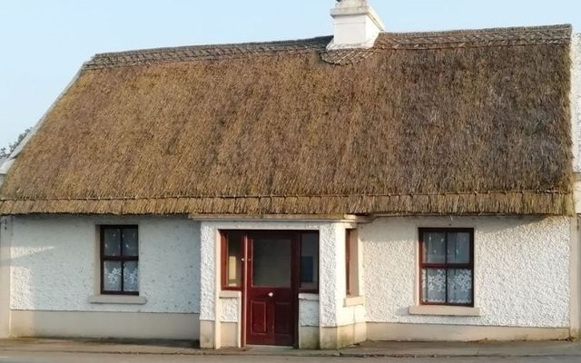 The cottage\'s exterior remains in excellent condition.