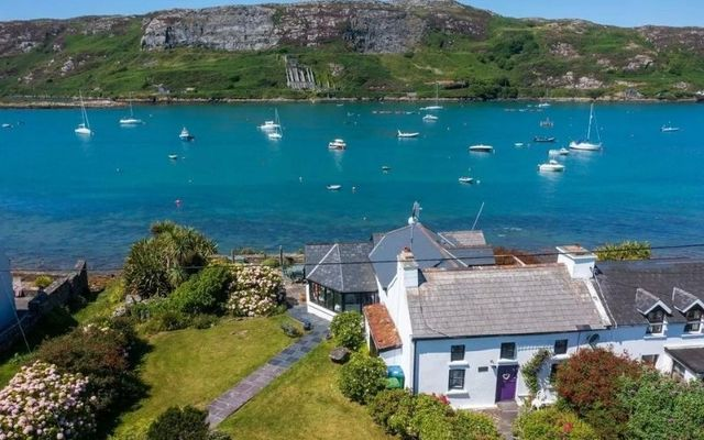 Journey\'s End is the name of the traditional seaside cottage in Crookhaven village
