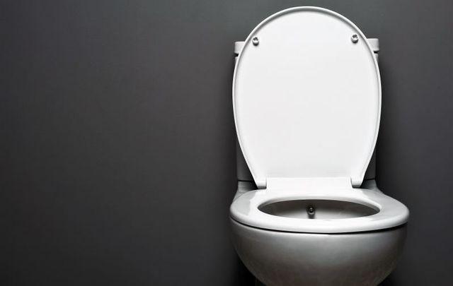 "Irish entrepreneur John Nagle is planning to open his \""U-Luu\"" luxury toilet service in Dublin."