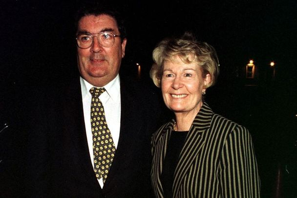 John and Pat Hume in October 1998.