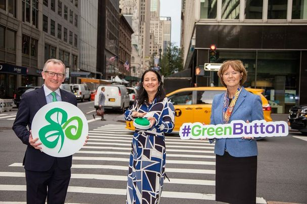""\""""Push the Green Button"""": Niall Gibbons and Alison Metcalf of Tourism Ireland with  Minister Martin (center) in New York.""607|405|?|en|2|d869d62258fcb9dbdc967afdf3bdef59|False|UNLIKELY|0.35500913858413696