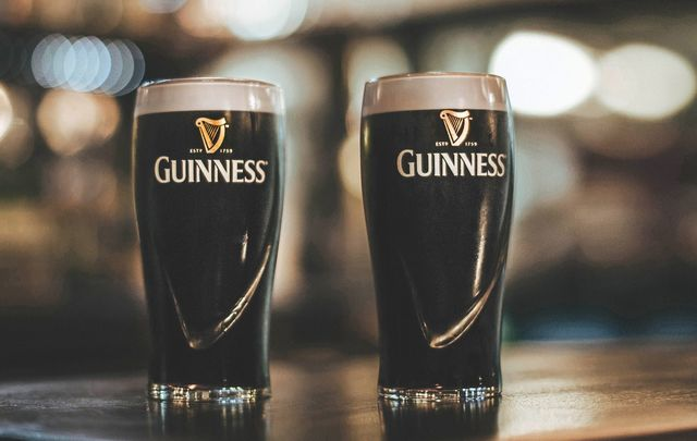 What do you eat with your pint of Guinness? The perfect food pairings.